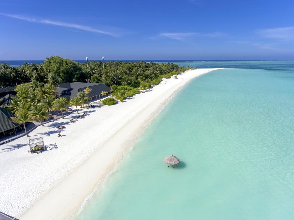 Holiday Island Resort & Spa ****